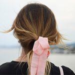 「ピンク色のものを身に着けると恋愛運アップ」って本当なの!?