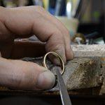 鋳造(ちゅうぞう)製法と鍛造(たんぞう)製法とは?指輪の作られ方の違いを知ろう